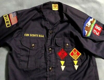 vintage CUB SCOUT BSA~BOY SCOUTS of AMERICA SHIRT BOY'S M l/s MANY PATCHES wolf