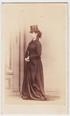 Portrait CDV-LOWESTOFT, lady in riding habit and top hat