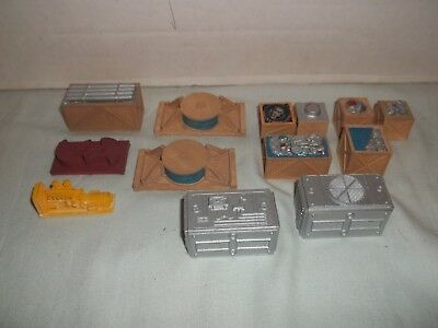 Chooch Cast Resin Machinery Loads Crates Decorated Painted HO Model Train   Y33