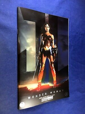 Wonder Woman #31 (2017 DC Comics) NYCC Exclusive Gal Gadot Photo Foil Variant