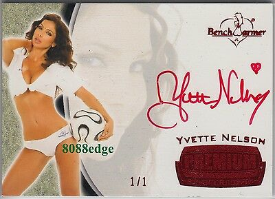 2012 Benchwarmer Soccer Premium Auto: Yvette Nelson #1/1 Of One Red Autograph