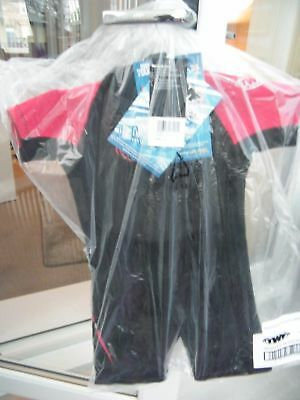 TWF Childs Shortie Wetsuit 2.5mm Black/Red  Age 5/6  New in Bag With Tags