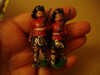 2 x Vintage Lead Toy Soldier Scottish / Scot Kilts Highlanders