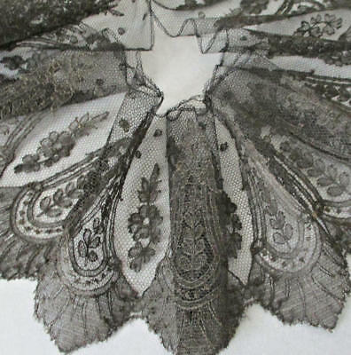 "Antique 19thC Handmade French Black CHANTILLY LACE Trim Flounce 5"" Wide X 136"""