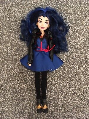 Disney Descendants doll Evie IMMACULATE