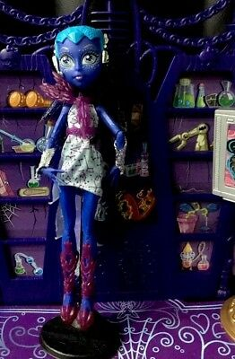 Monster High Astranova Boo York Doll Great Condition ❤️
