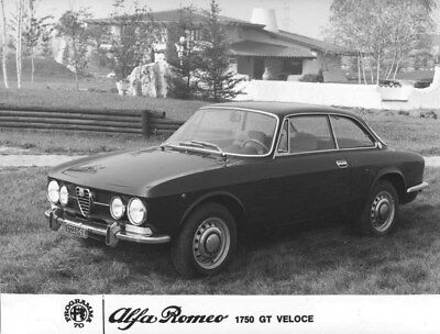 1970 Alfa Romeo 1750 GT Veloce GTV ORIGINAL Factory Photo oub8904