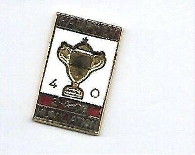 Heart of Midlothian v Hibernian - Hampden Humiliation 2006 - Fooball Pin Badge