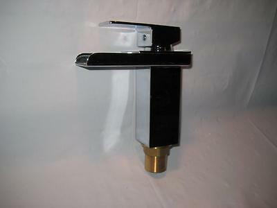 New  Modern Single Handle Square Waterfall Bathroom Sink Faucet Chrome Finish