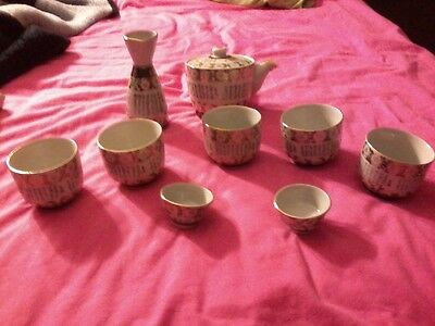 Antique  Kutani sake set, 5 tea cups, 2 Sake cups 1 teapot & 1 Bottle for Sake