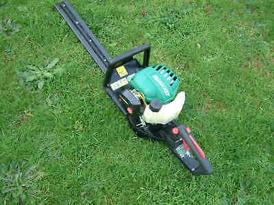 Petrol Hedge Trimmer Qualcast cutting blade 55cm and engine 26cc