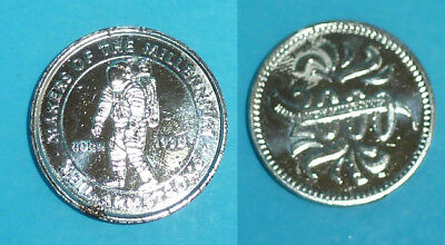 2000 - Coin Token Medal NEIL ARMSTRONG Into a New Millennium Makers Salisbury