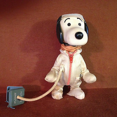 1966 VINTAGE  SNOOPY POCKET DOLLS with OUTFIT, HELMET UNITED FEATURES Figure