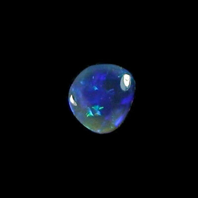 1,82 ct Black Crystal Opal 9,91 x 8,62 x 3,06 mm
