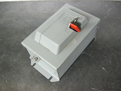 Square D 2510 MBA-1 Size M-0 Manual Motor Starter 2 Pole w/ enclosure 2510 MBO-1