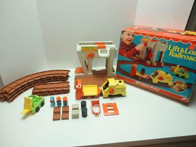Vintage Fisher Price #942 LIFT and LOAD RAILROAD w/Box Works Ex/NM Complete