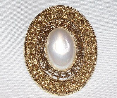 Vintage Oval Gold Tone White Marbled Cabochon Scarf Holder Clip  M481