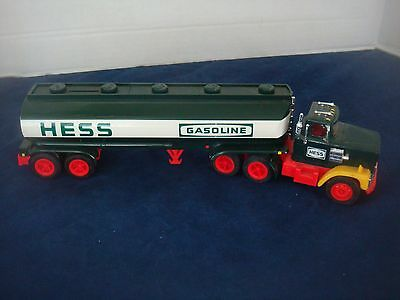1984 Hess Toy Tanker Truck/bank~Displayed, Never Played With~Excellent Condition