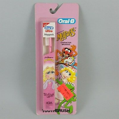 Miss Piggy Childs Toothbrush in box Muppets Pink Vintage 1984