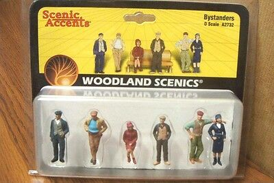 Woodland Scenics Bystanders  O Scale Figures