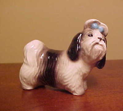 "Hagen-Renaker Miniature #2076 SHIH TZU ""MANDY"" - Ceramic Dog Figurine"