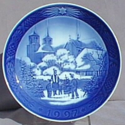 ROYAL COPENHAGEN 1997 Christmas Plate - Roskilde Cathedral – MINT!