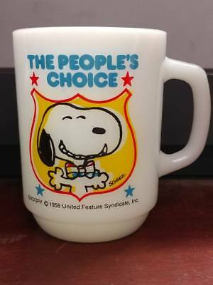 Vtg 1980 The People's Choice Milk Glass Anchor Hocking Fire King Snoopy Mug