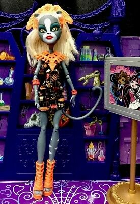 Monster High Meowlody Ghouls Getaway Doll Great Condition ❤️