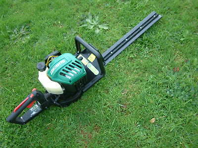 Petrol Hedge Trimmer Qualcast cutting blade 55cm and engine 26cc-Good condition.