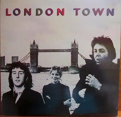 LP -  WINGS - PAUL McCARTNEY (BEATLES) = LONDON TOWN - MIT POSTER - SONG-TEXTE