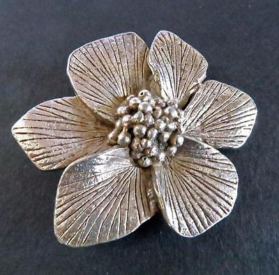 VINTAGE 1960s -1970s MIRACLE PEWTER WHITE METAL  FLOWER BROOCH PIN COSTUME