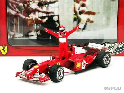 Hot Wheels 1:18 B6219 FERRARI F1 F2004 mit M. Schumacher Figur Worldchampion ´04