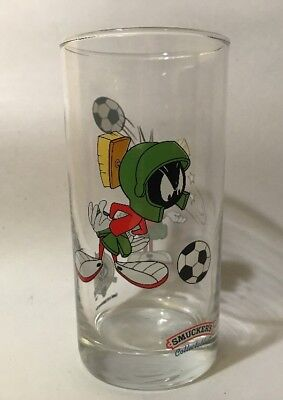 Vintage Smuckers Looney Tunes Soccer  Marvin the Martion tumbler glass MINT