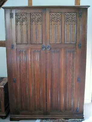 Arts and Crafts style Oak Double Wardrobe made c.1960 NR!