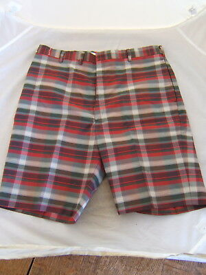 Vintage 1970s Mens Green and Red Plaid Levis Shorts with 34'' Waist