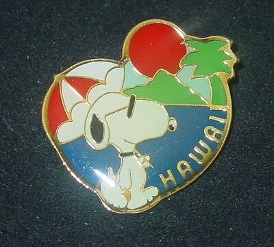 Vintage Snoopy Hawaii Walking on Beach Pin Quantasia