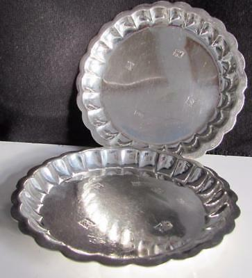 Lovely Pair of Sterling Silver Dishes by Mappin & Webb - 75 Grams - Piecrust