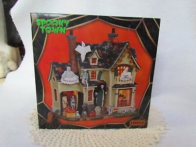 "2012 Lemax Halloween Spooky Town ""Scariest Halloween House"" in Original Box NEW"