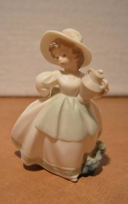 Golden Memories By Lladro Girl Holding Vase Figurine Made In Spain Daisa 1991