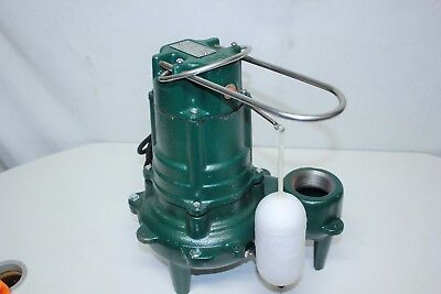 NEW~Zoeller~M267~WasteMate~Sewage Pump~1/2 Horsepower~115V~Submersible~Automatic