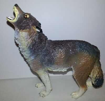 Timber Wolf 1990 Safari Ltd Toy Howling Wolf Figurine