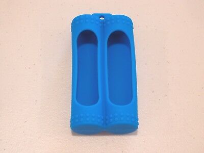 2 bay SILICONE PLASTIC STORAGE PROTECTIVE CASE HOLDER BOX 20700 BATTERY BLUE