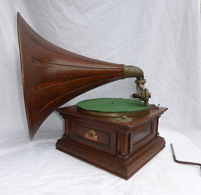 HMV Senior Monarch Gramophone c1911
