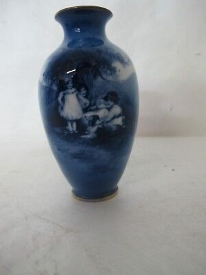 "Lovely 19Th C. Royal Doulton Blue And White  ""babes In Woods"" Porcelain Vase"