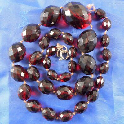 Stunning Art Deco Tested Faceted Cherry Amber Bakelite Beads Necklace 38.6Gms