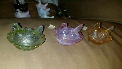 3 Boyd Hen On Nest Glass Enchantment, Vaselite & Peach Salt Cellars