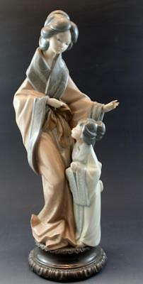 "NAO by Lladro Figurine Japanese Geisha Mother and Daughter 15"" No Reserve"