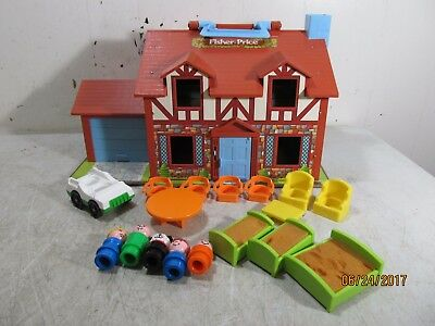 Vintage Fisher Price Little People House 952 Complete With Furniture & People