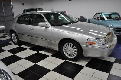 2004 Lincoln Town Car  2004 Lincoln Only 50,521 Miles! Carfax Certified! A Salt-Free Florida Lincoln!