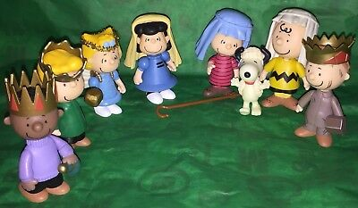 Peanuts Snoopy Charlie Brown Nativity Christmas Pageant Play Set 8 Mini Figures